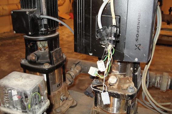 Другая насосная станция в другом месте.  Лидирующий насос просто отключен, присоединения демонтированы...